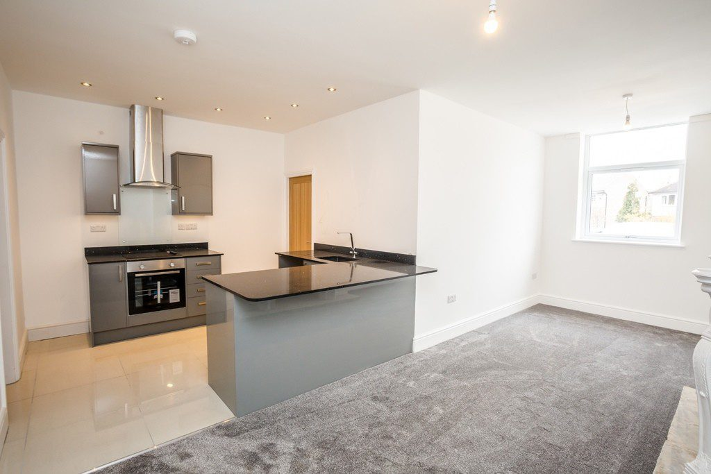 3 Grosvenor House Apartments, Long Lane, Huddersfield